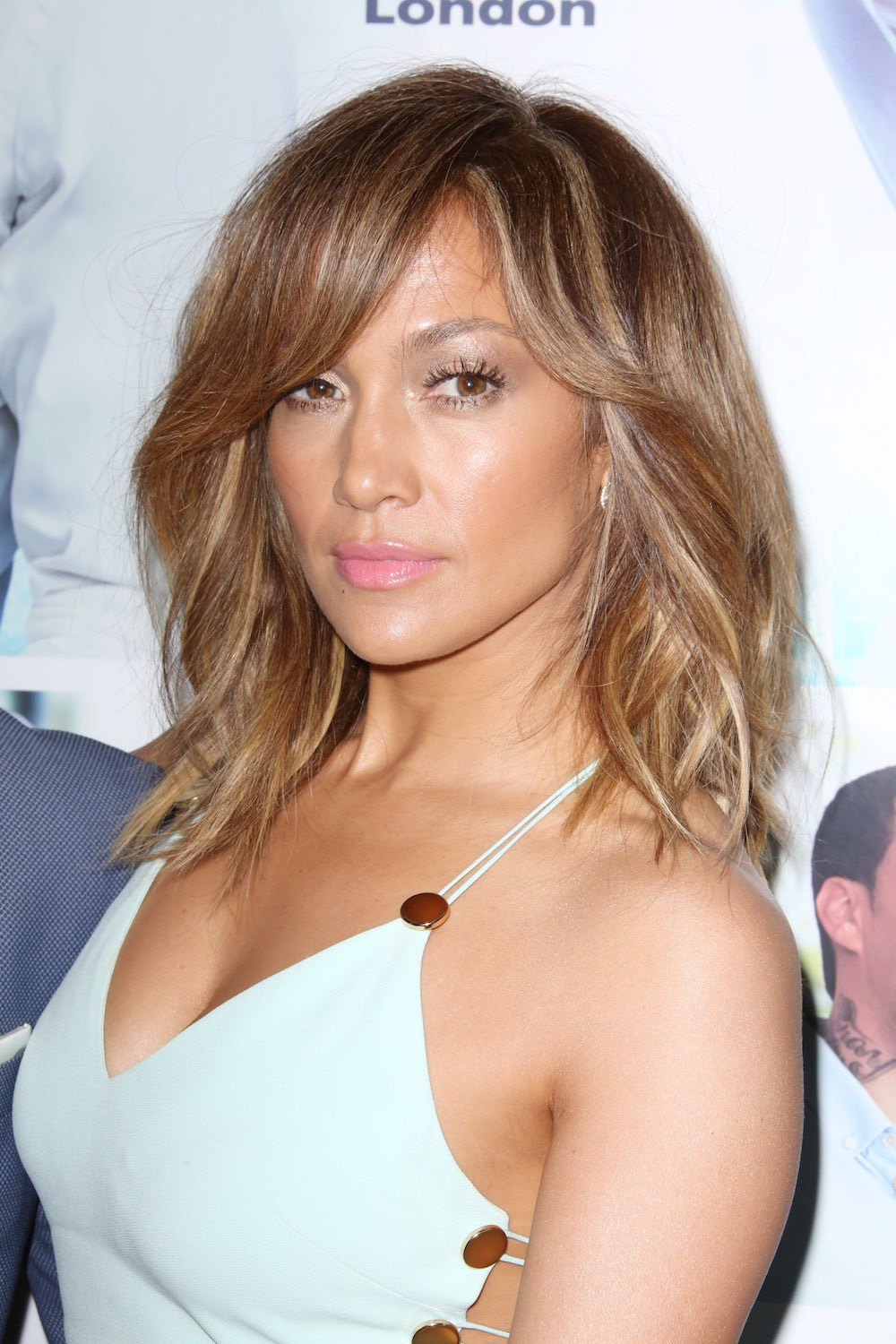 Light golden brown dari Jennifer Lopez.