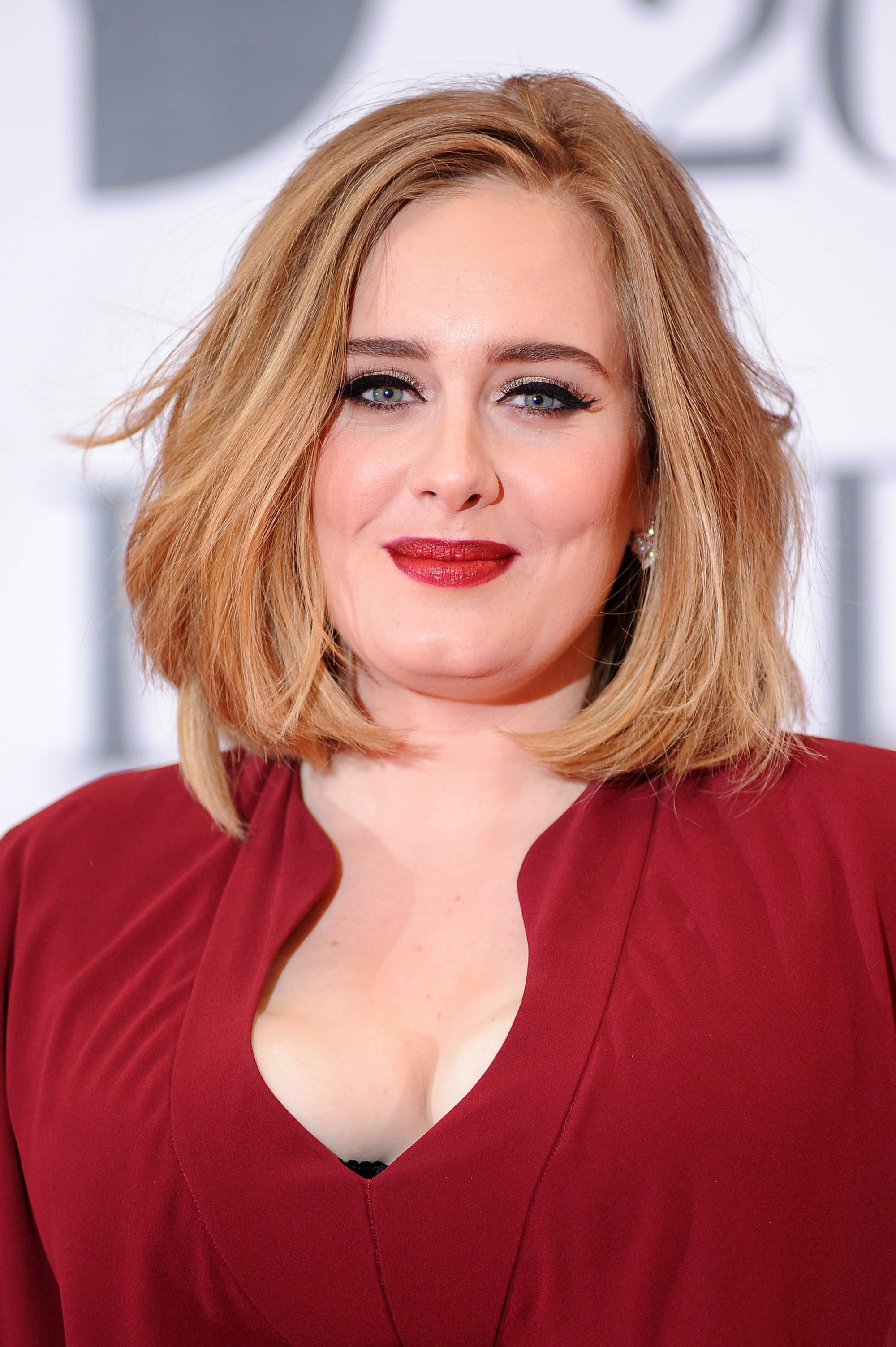 model rambut bob untuk wajah bulat versi Adele