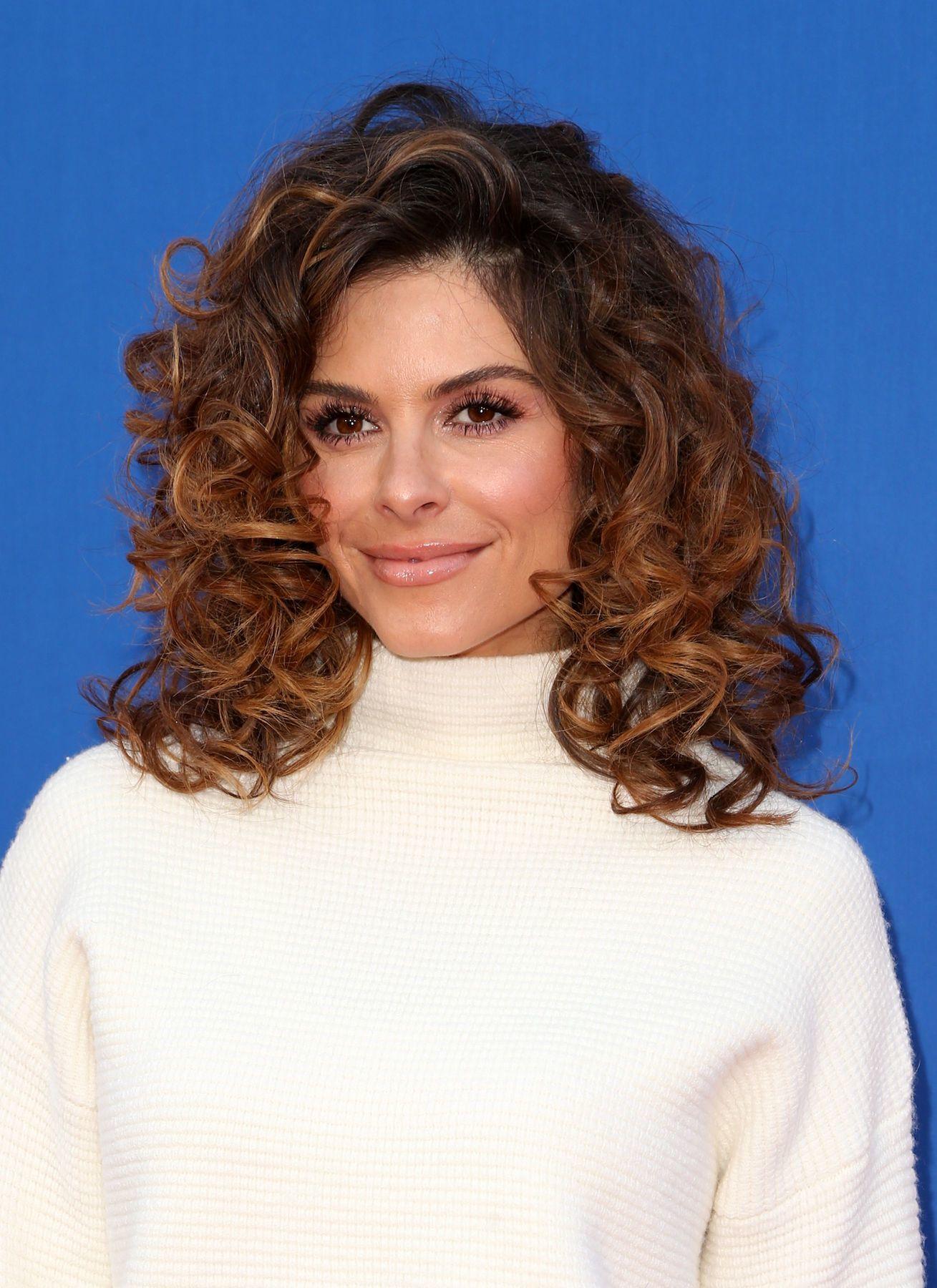 Maria Menounos model rambut sebahu