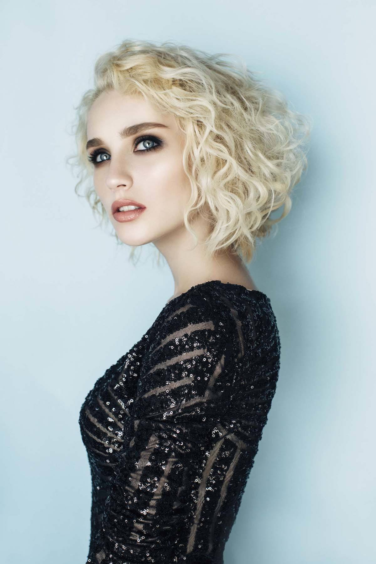 short-curly-bleached-blonde-triangle