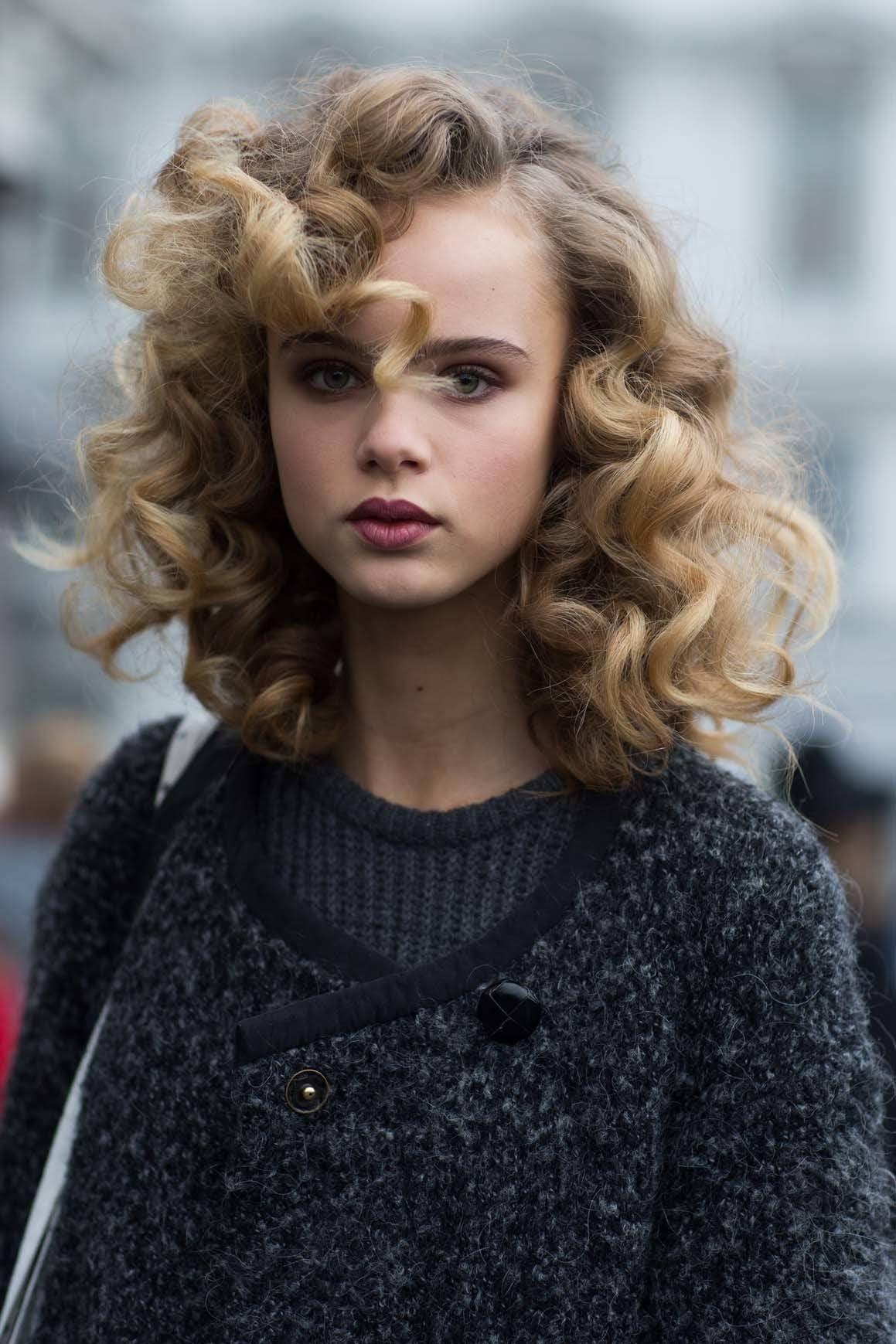12 Model rambut keriting pendek yang chic | All Things ...