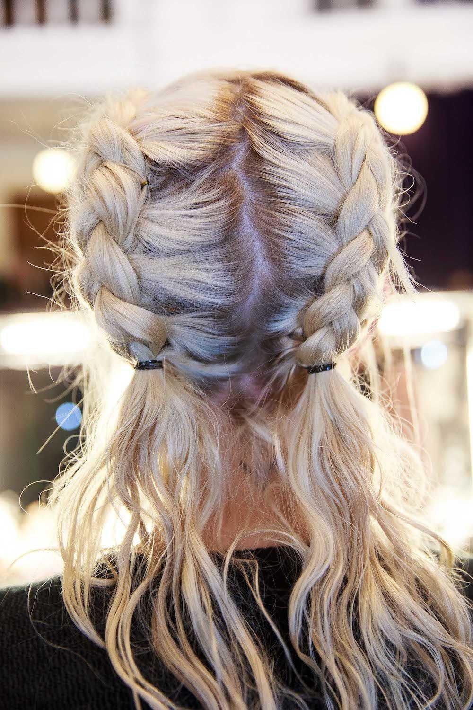 Pigtails dengan Dutch braid