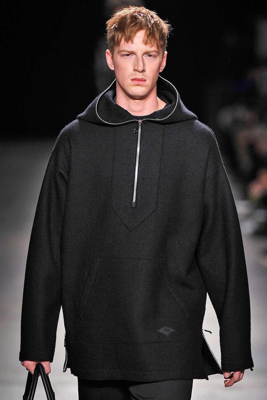 model rambut pria sesuai bentuk wajah gaya cCrop cut