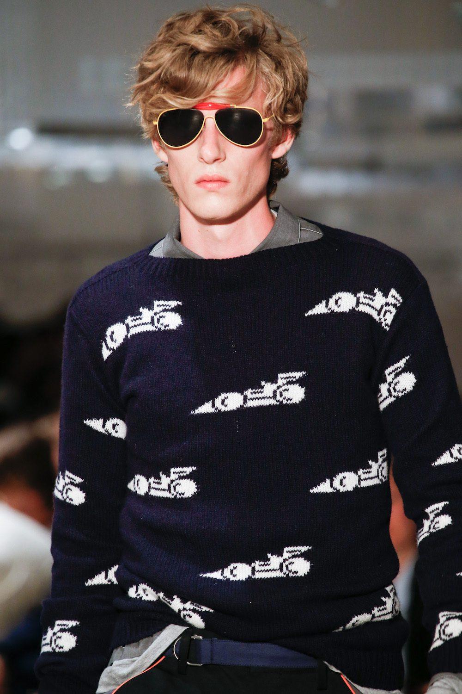 model rambut pria sesuai bentuk wajah gaya toussled hair