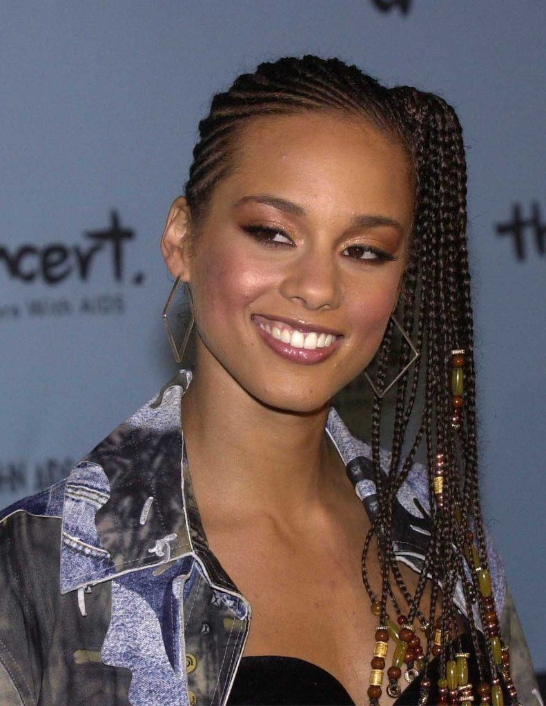 Model rambut cornrow pada Alicia Keys