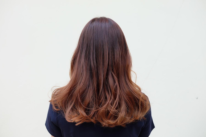6. wanita asia dengan warna rambut balayage copper