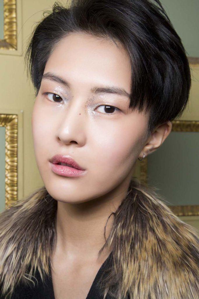 15 Model rambut androgini terbaik untuk gaya tomboy  1d6c878334