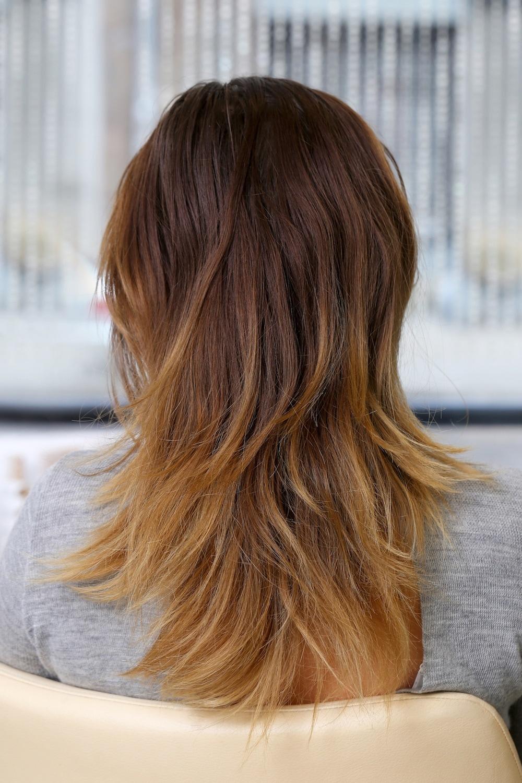 warna rambut caramel dengan blonde highlights