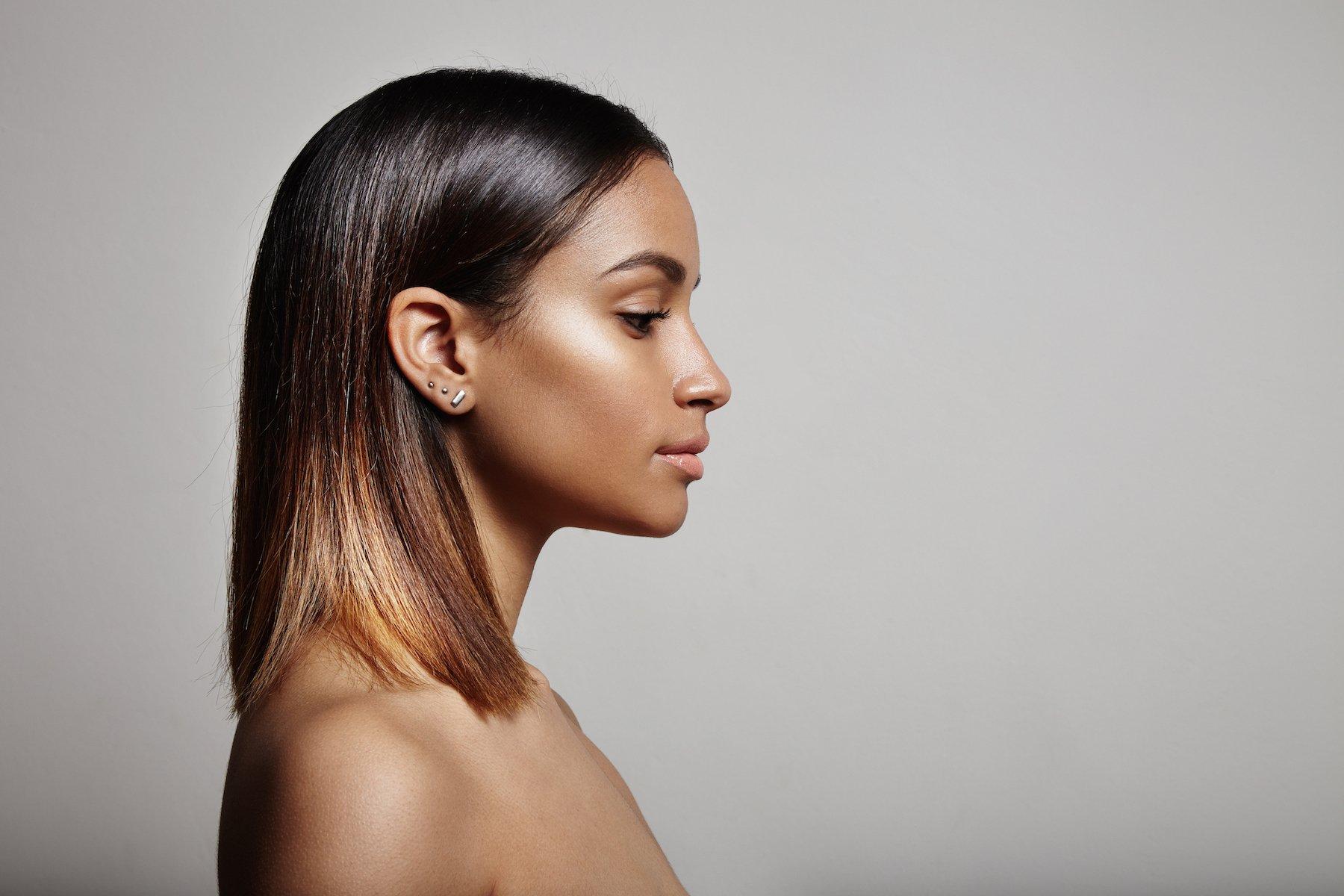 Wanita afro dengan warna rambut untuk kulit gelap ombre pirang