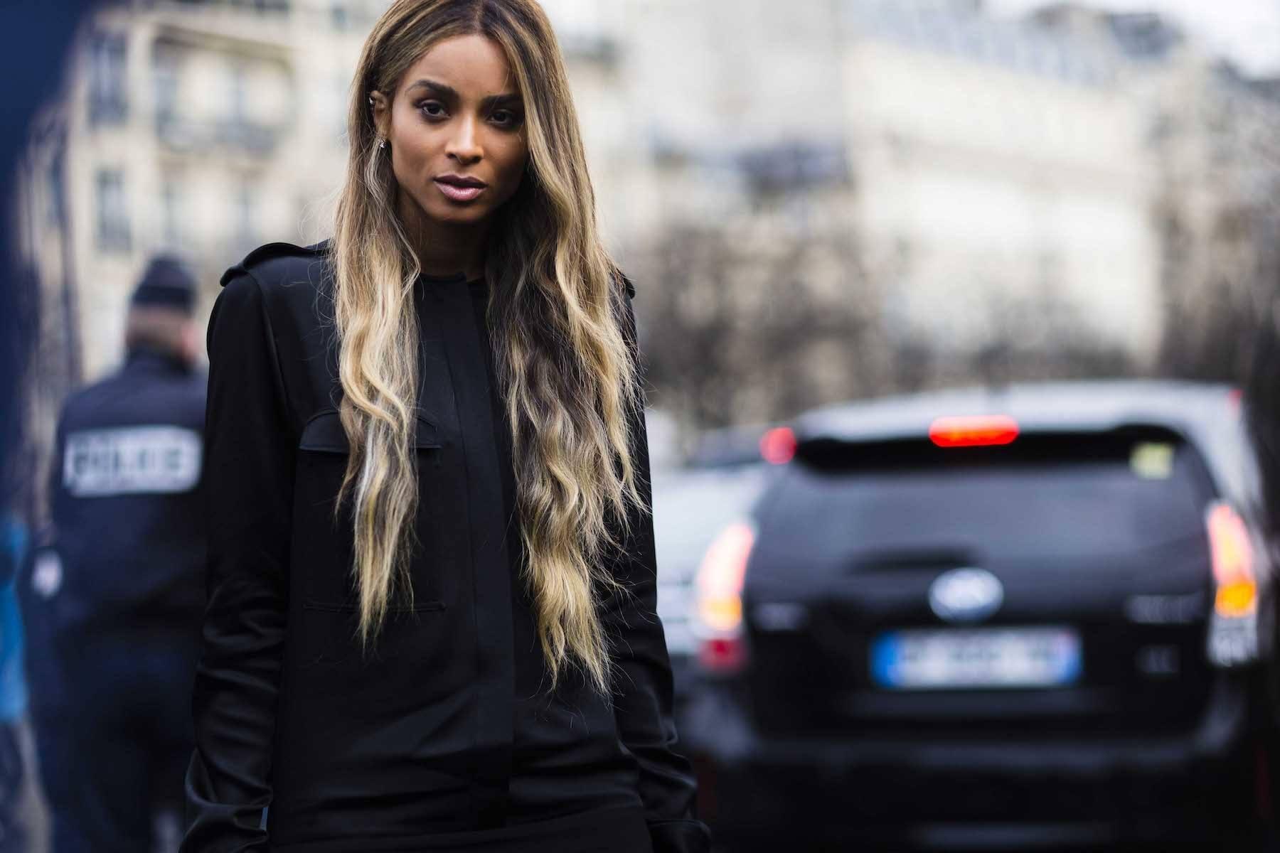 Ciara model rambut layer panjang