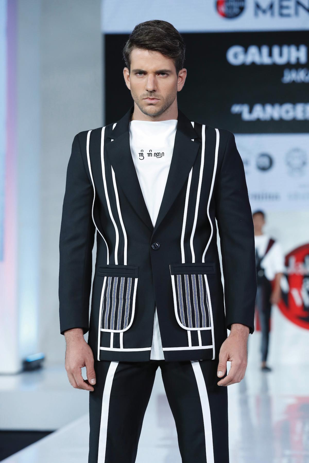 Pria kaukasia dengan model rambut quiff.
