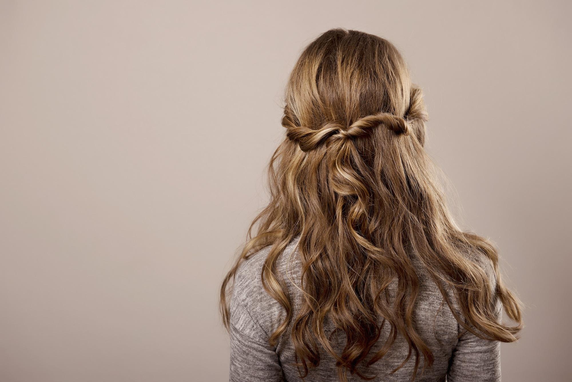 Warna rambut cokelat yang bagus: bronde (cokelat pirang)