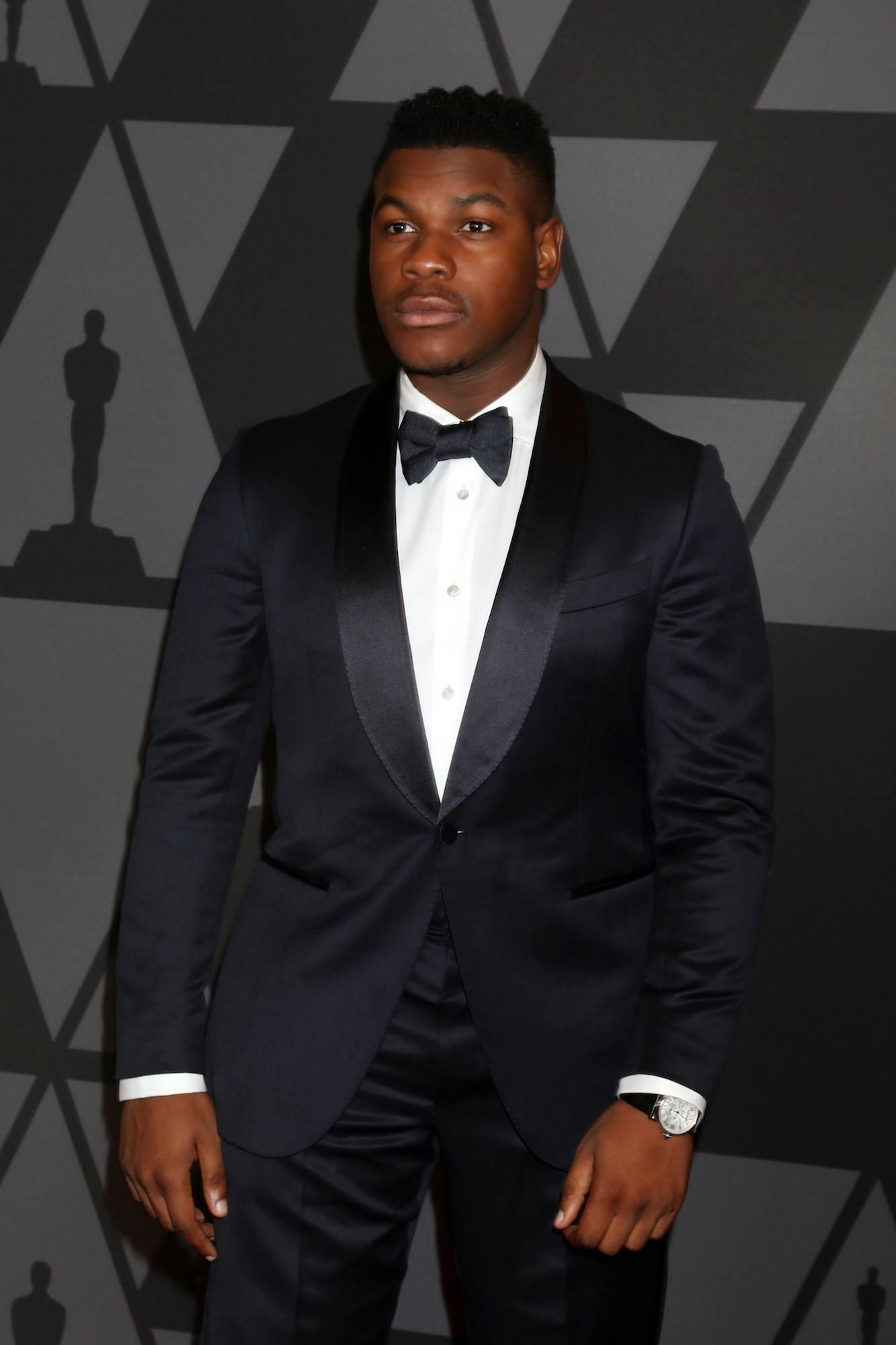 John Boyega aktor Star Wars The Last Jedi model rambut faux hawk