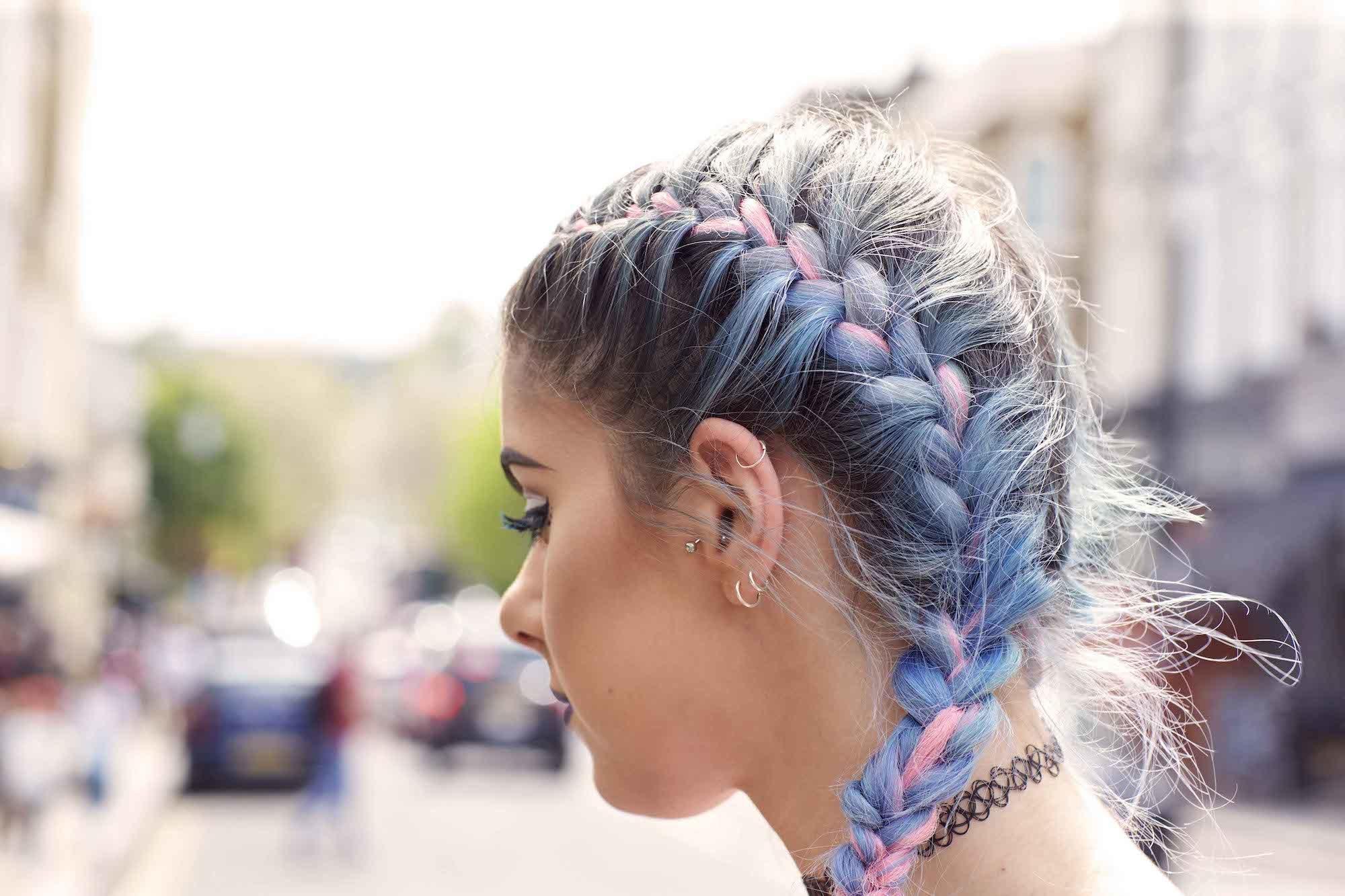 Model rambut updos french braids