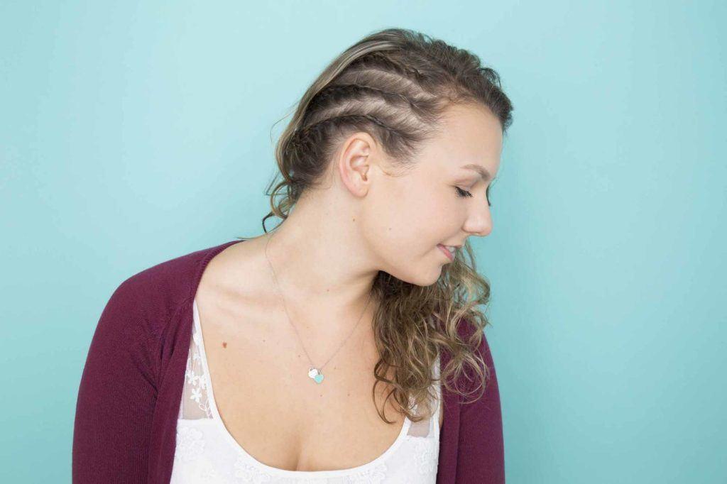 Model rambut kepang samping triple dutch braid