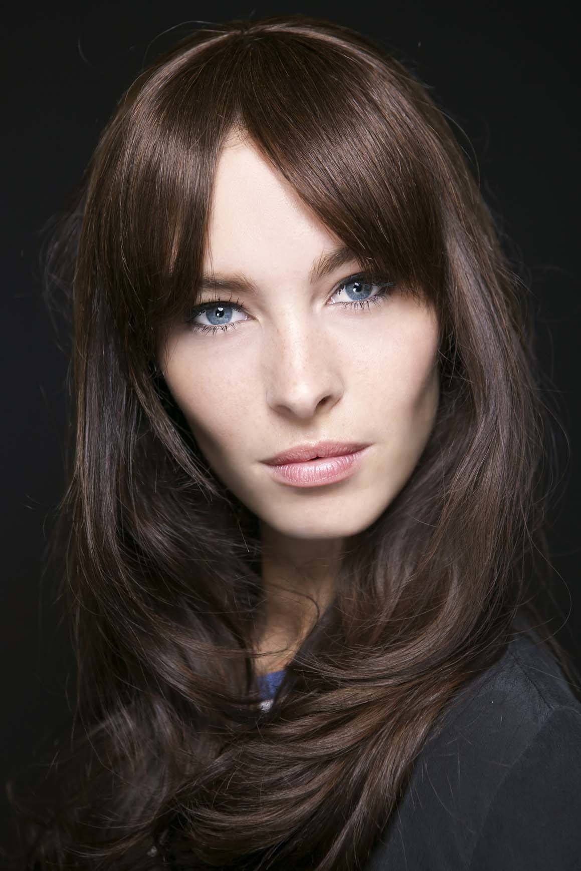 Rambut panjang tebal warna dark brown
