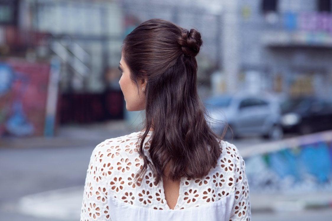 tatanan rambut pesta simple model rambut flower braid.
