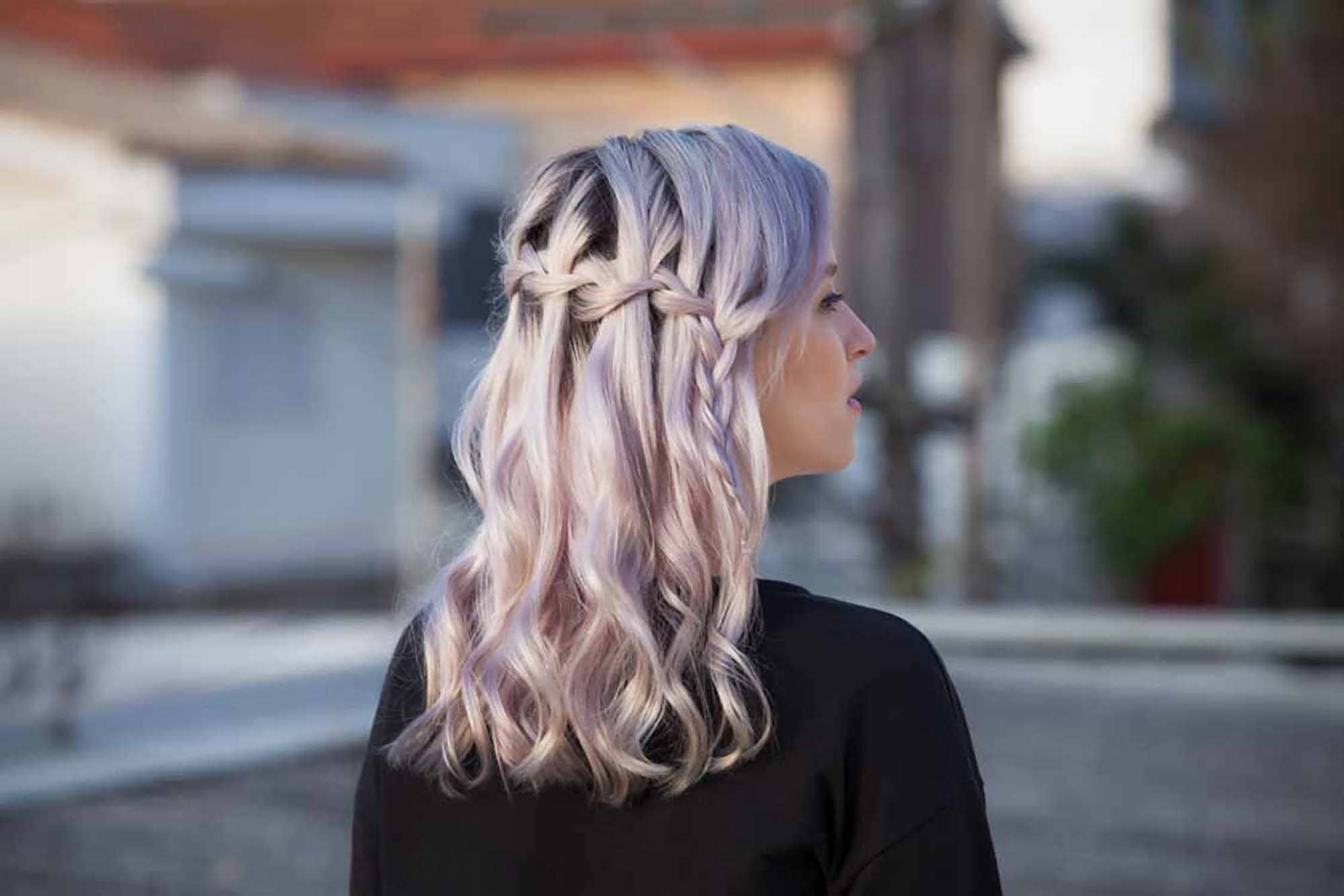 tatanan rambut pesta simple gaya rambut waterfall braid.