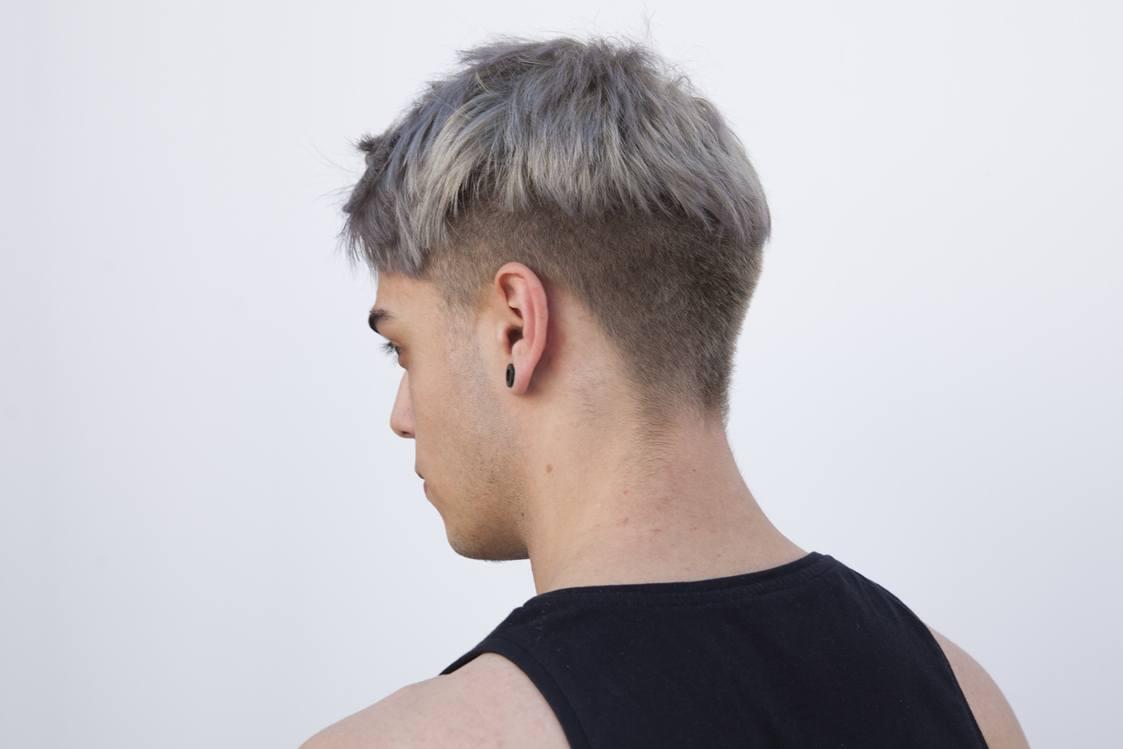 Model rambut bertekstur warna ungu pastel