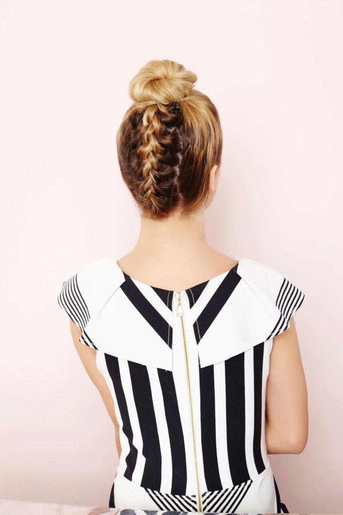 tatanan rambut pesta simple model rambut upside down braid bun.