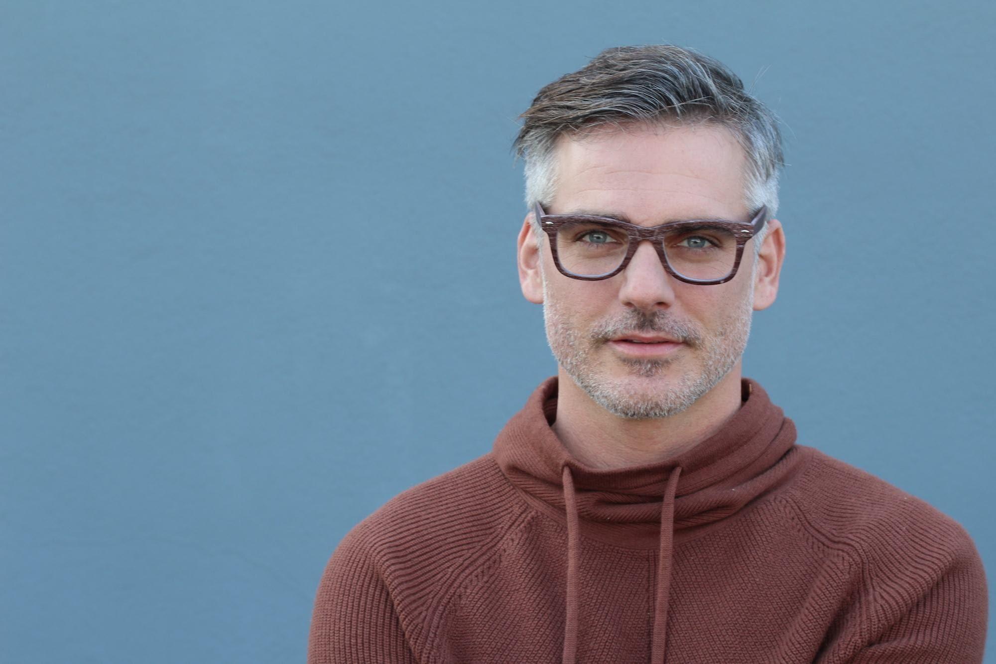 Trend warna rambut pria 2018 warna rambut alami.