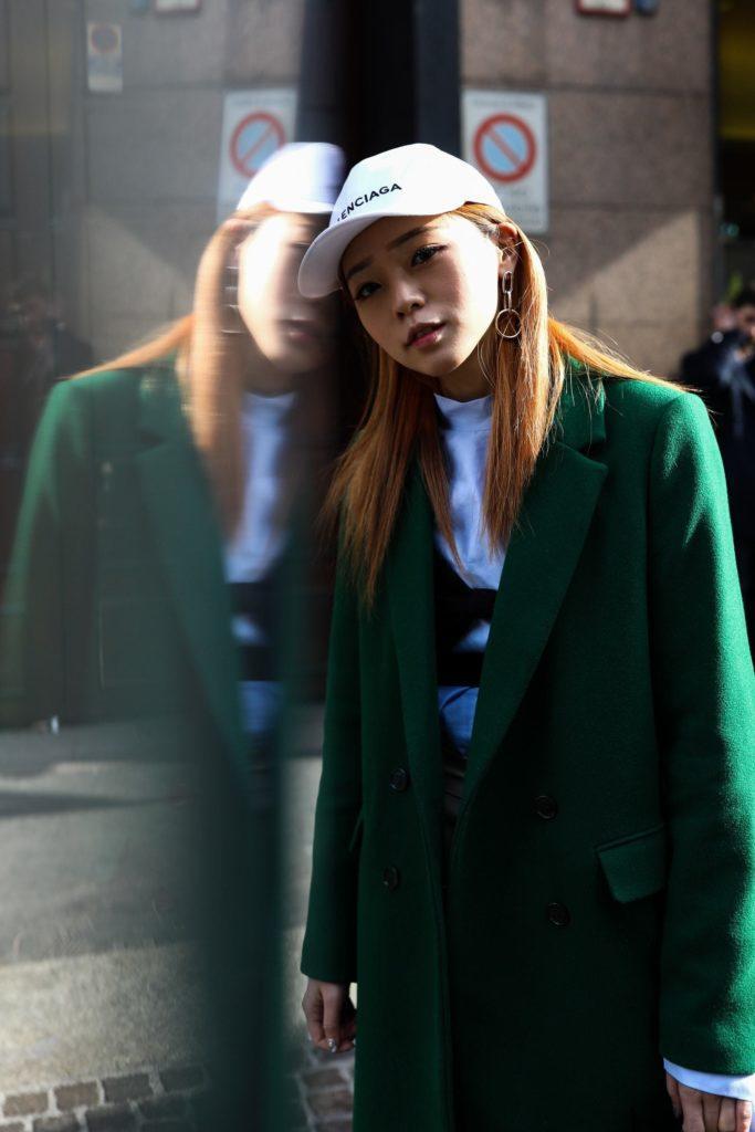 trend warna rambut auburn di Milan fashion week 2018