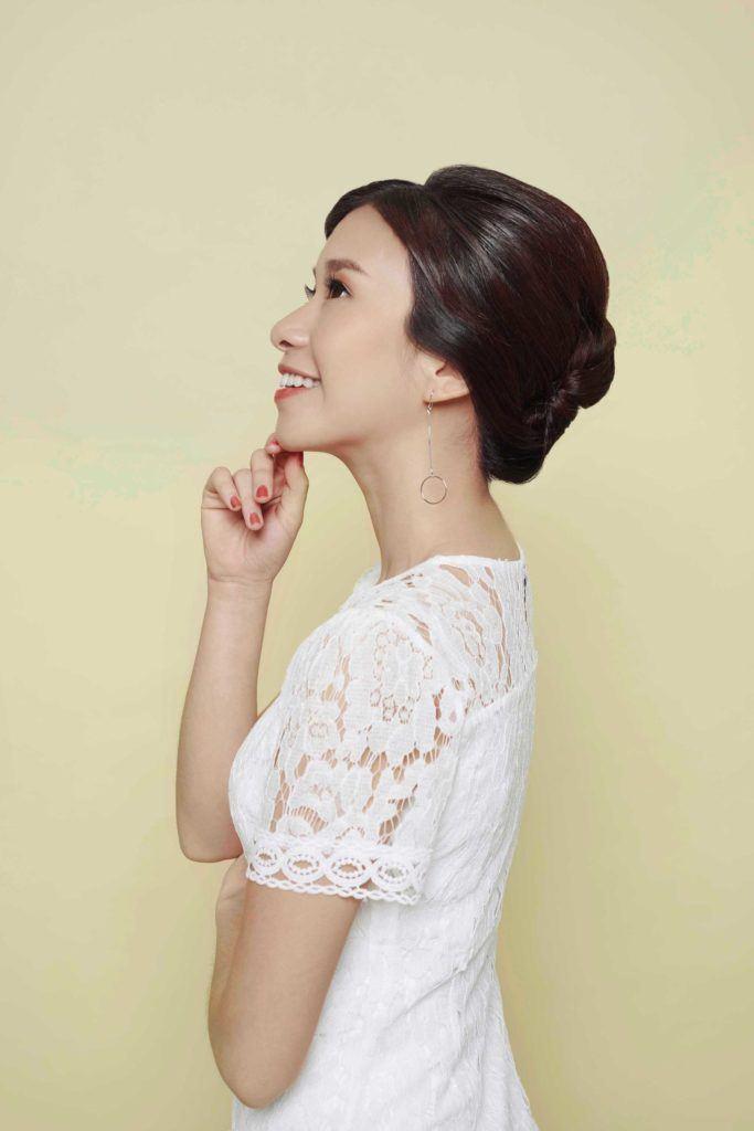 model rambut Imlek gaya french twist