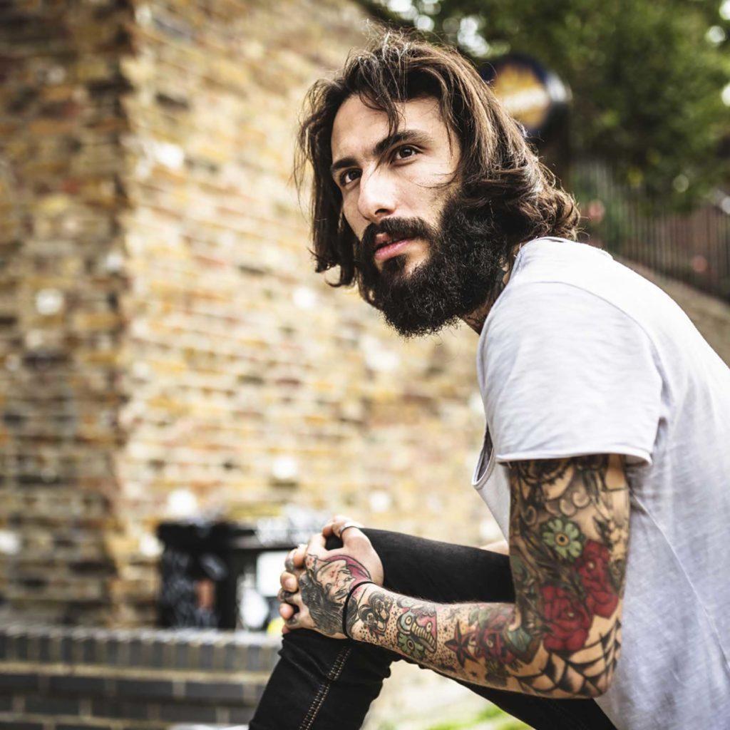 model rambut bergelombang pria medium