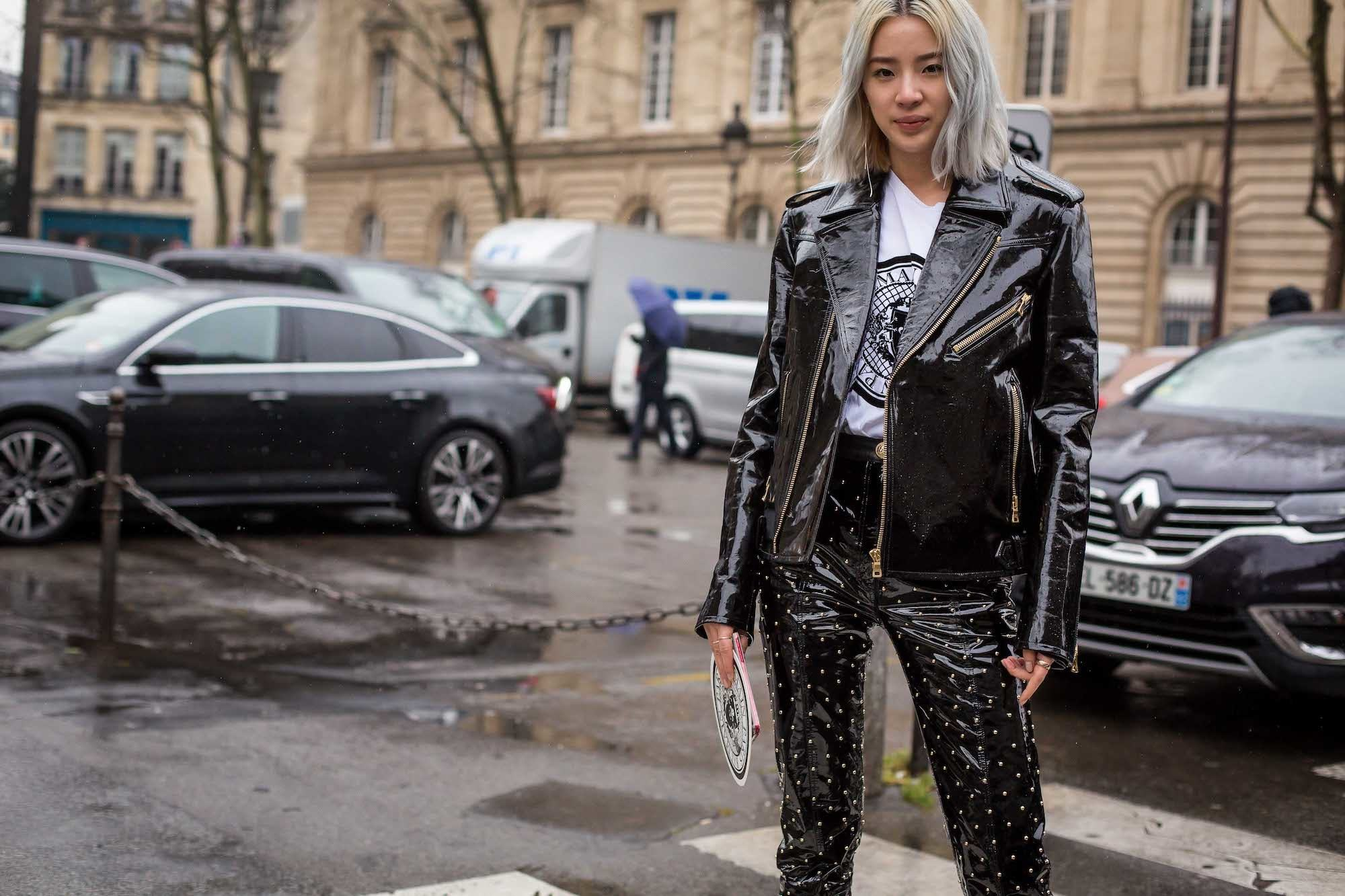 Greyish platinum blonde StreetDay4 Paris Fashion Week 2018.