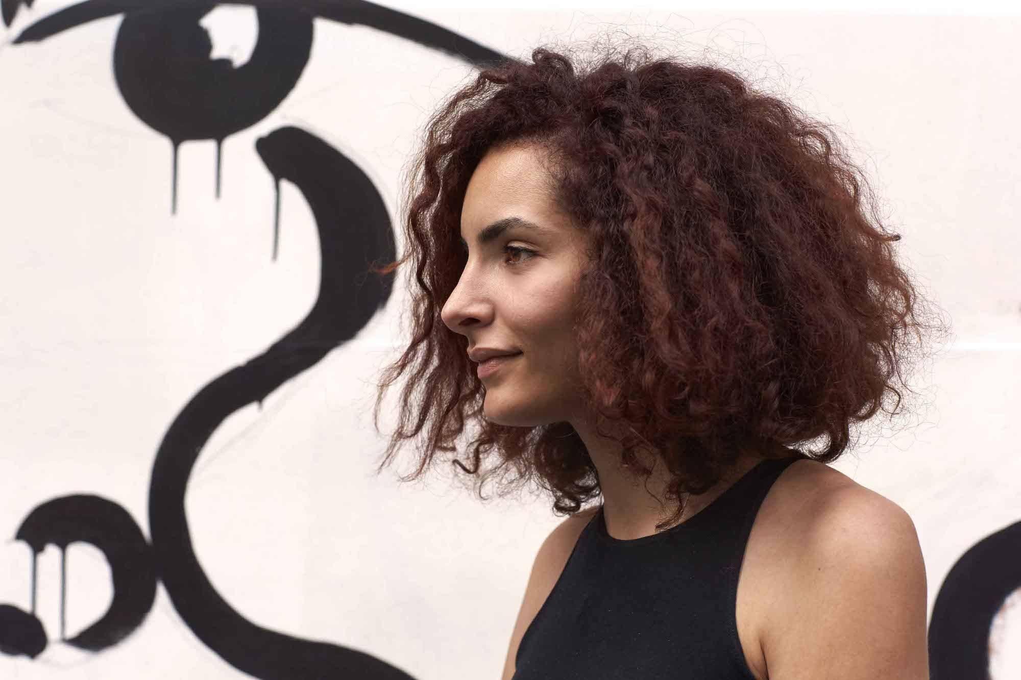 Warna rambut mahogany untuk rambut kulit gelap.