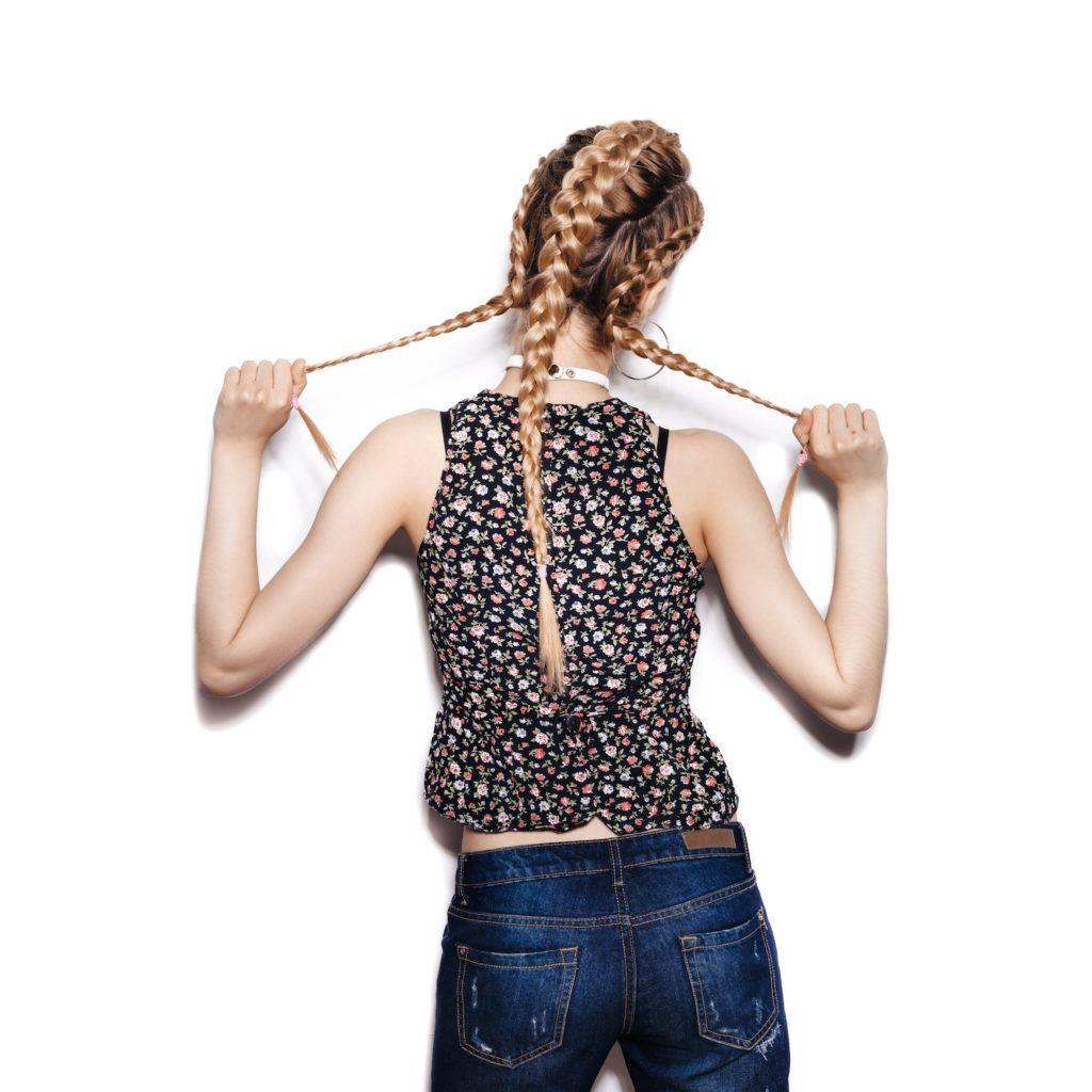 Gaya rambut triple boxer braid yoga hairstyles.