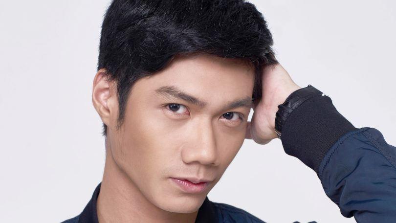 pria Asia dengan rambut quiff