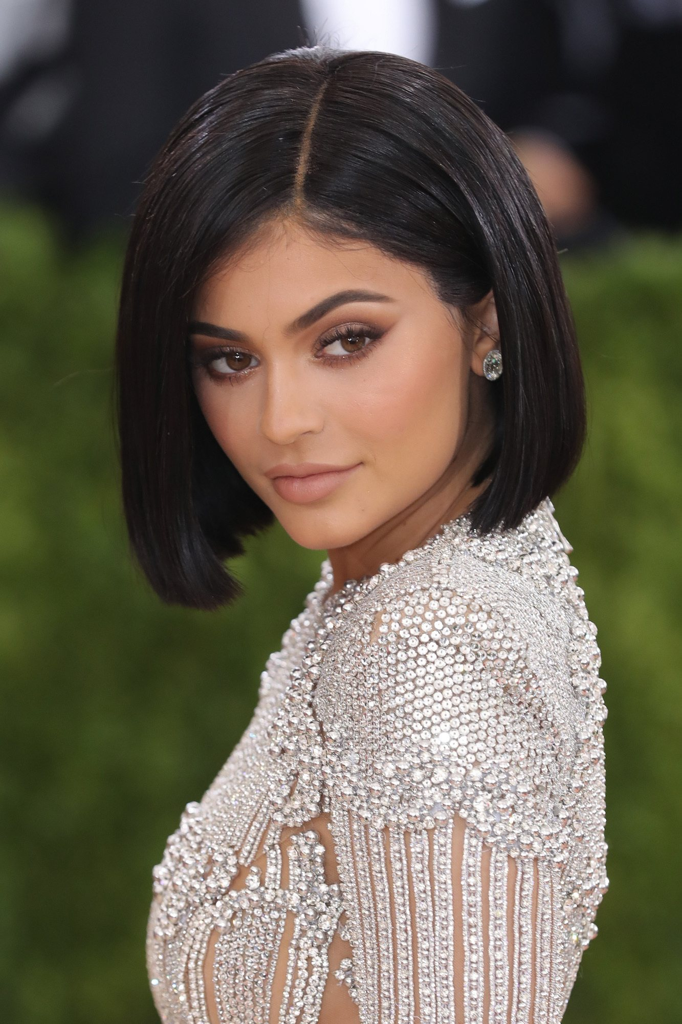 Kylie Jenner inverted bob.