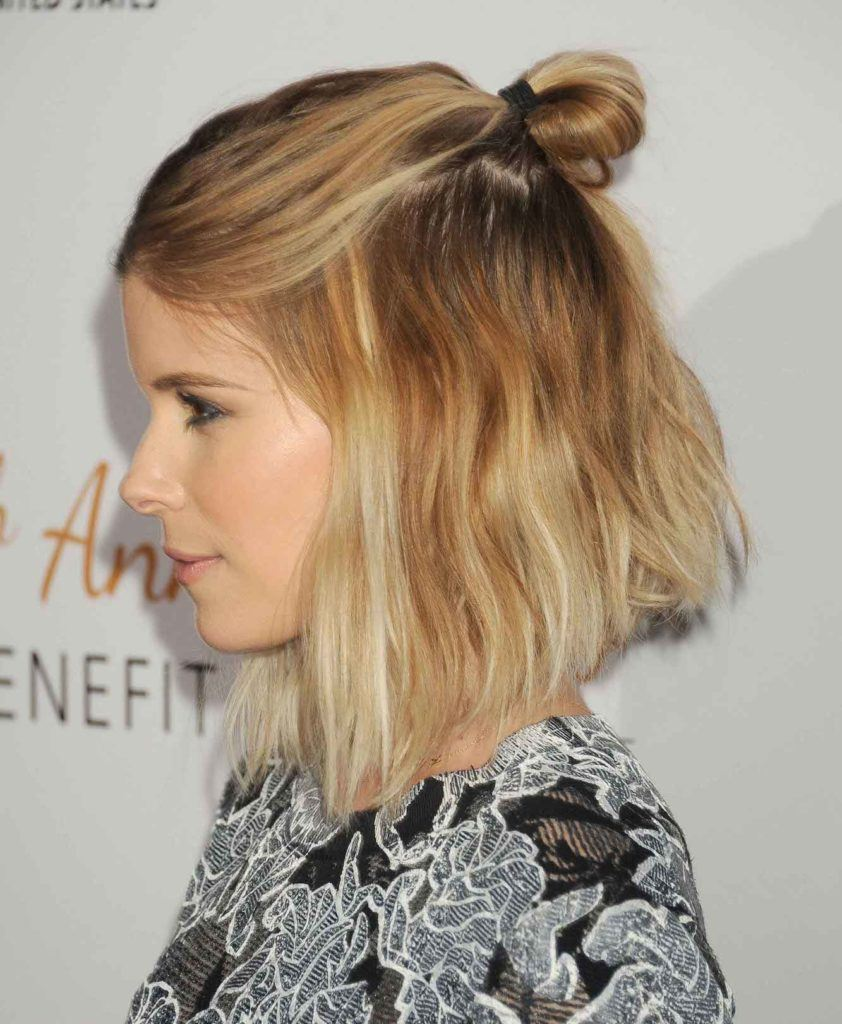 Kate Mara dengan model rambut inverted bob.