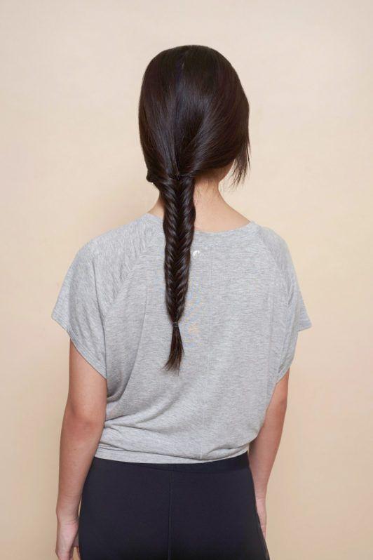 Wanita Asia dengna rambut kepang fishtail