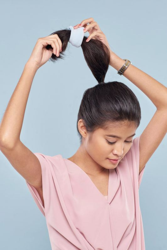 Wanita asia dengan rambut hitam