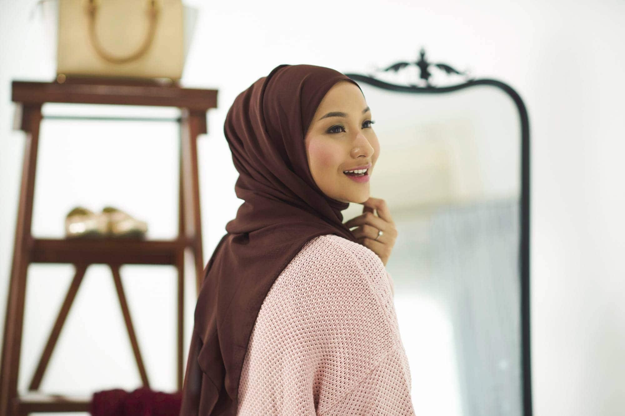 gaya-hijab-arab-pashmina