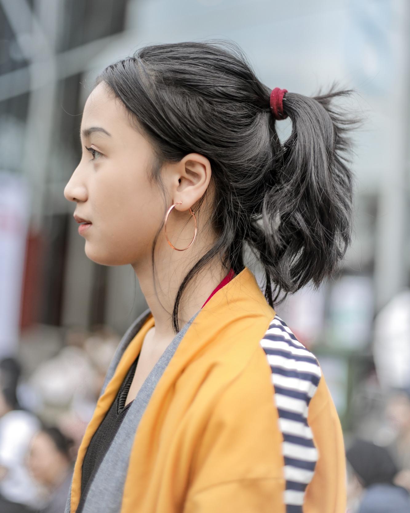 messy-ponytail-ratunadhila-model-rambut-nonton-konser