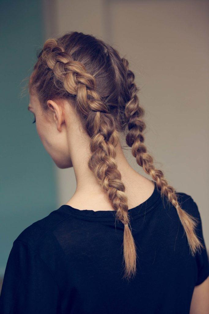 Atrevido y bonito peinados deportivos Colección De Consejos De Color De Pelo - 8 peinados deportivos para salir a correr | All Things Hair
