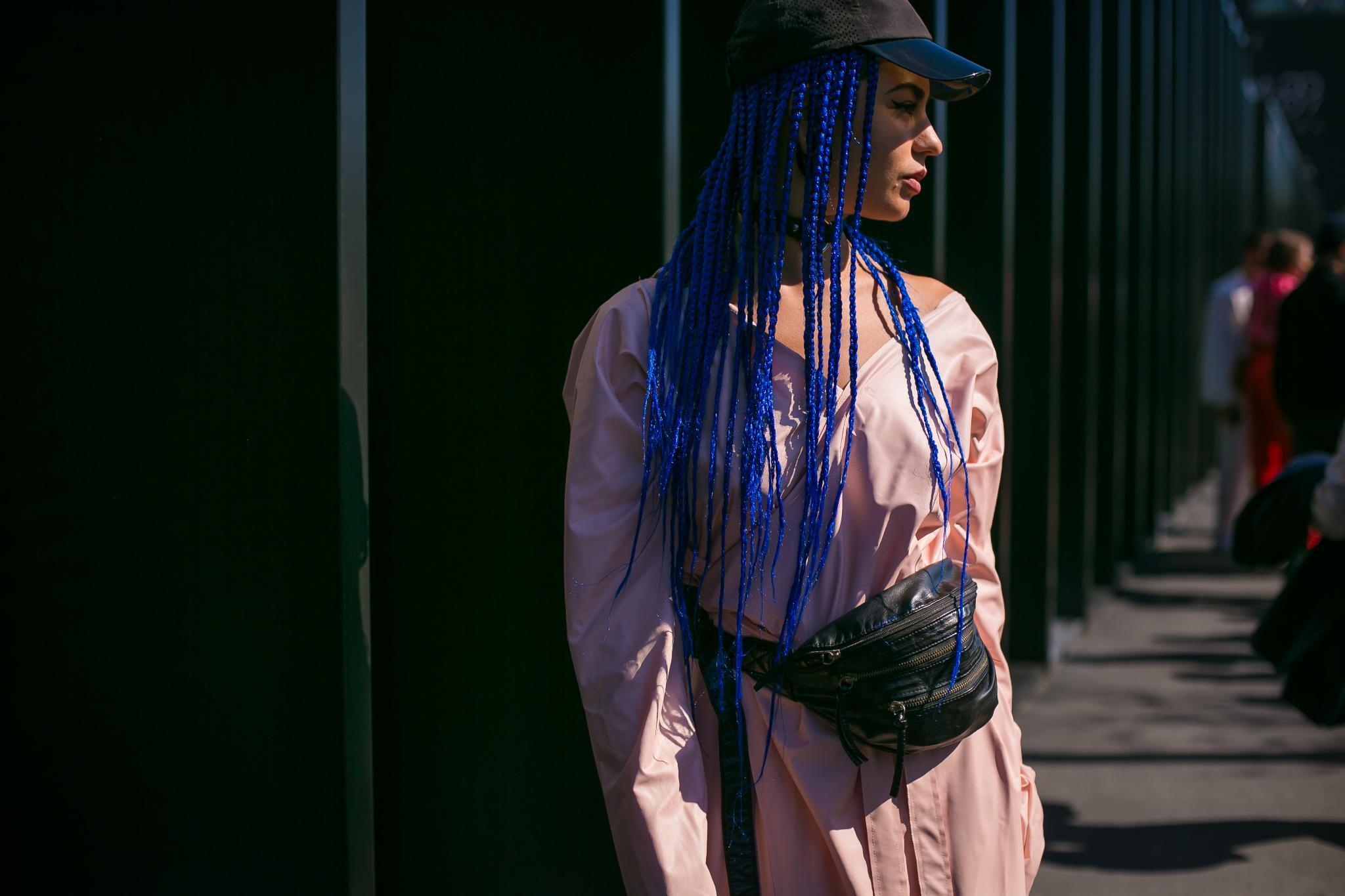 pelo largo azul tintura con trencitas gorro accesorio