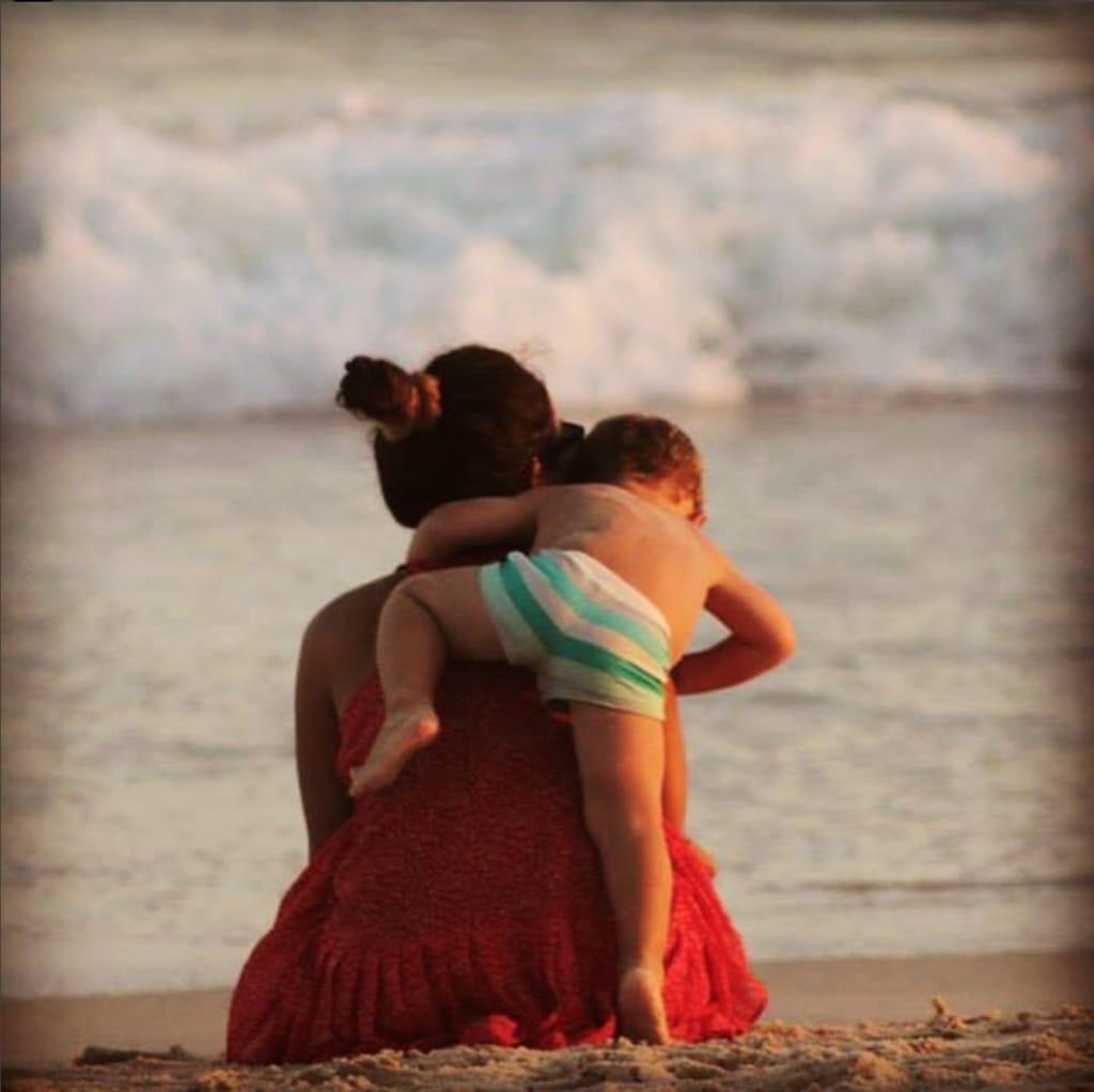 recogido rodete alto verano playa mechi manrique