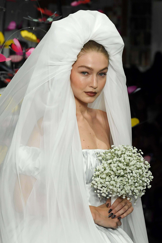 accesorios para novias velo con estructura gigi hadid