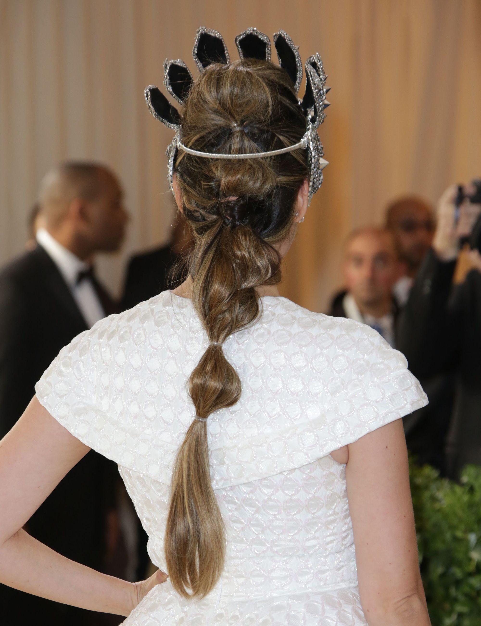 peinados con corona pelo largo bubble pony
