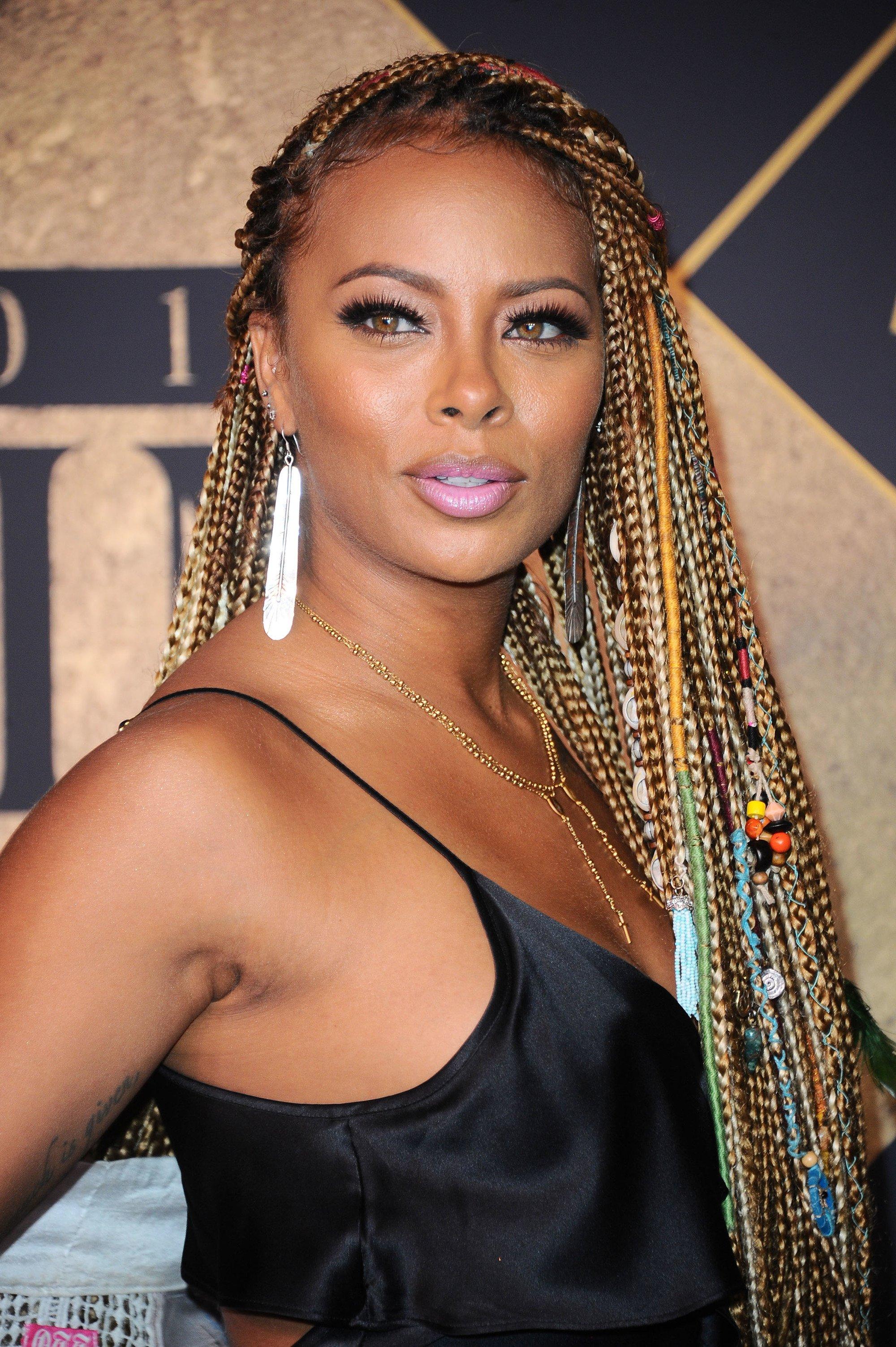 trenzas con cuentas en las puntas y trenzas tejidas pelo con trenzas africanas largo mujer