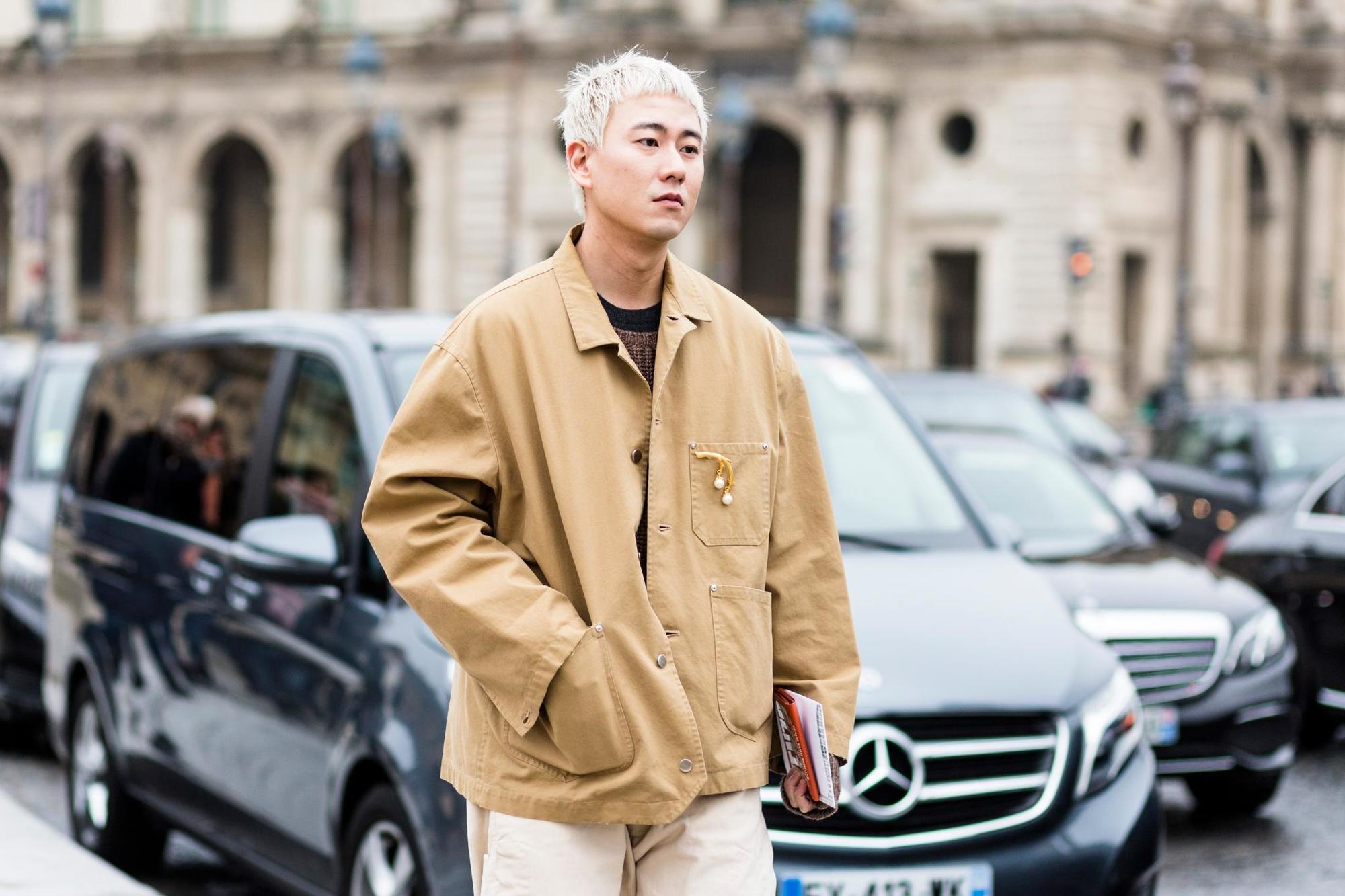 pelo platinado hombre corte animético hombre asiático