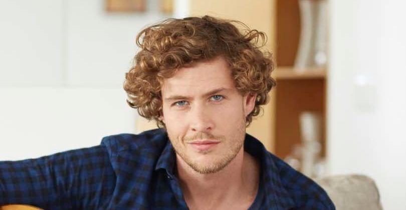 Preferência Como pentear cabelos cacheados masculinos VV44