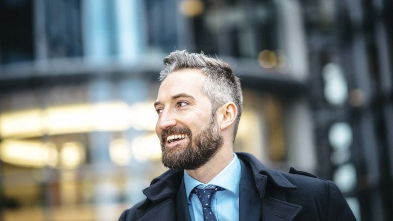 Extremamente Homem grisalho: aprenda dicas de como disfarçar cabelos brancos KI48