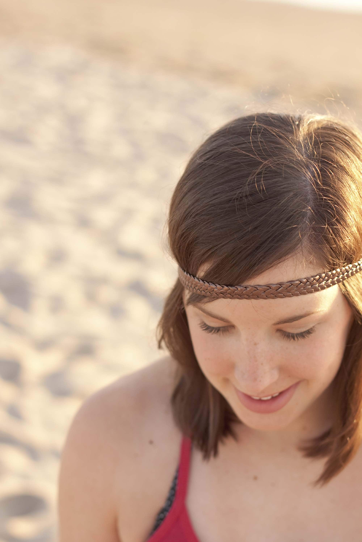 franja curta demais com headband para valorizar