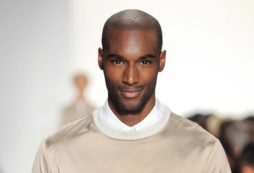 modelo de cabelos fáceis masculinos cabelo raspado