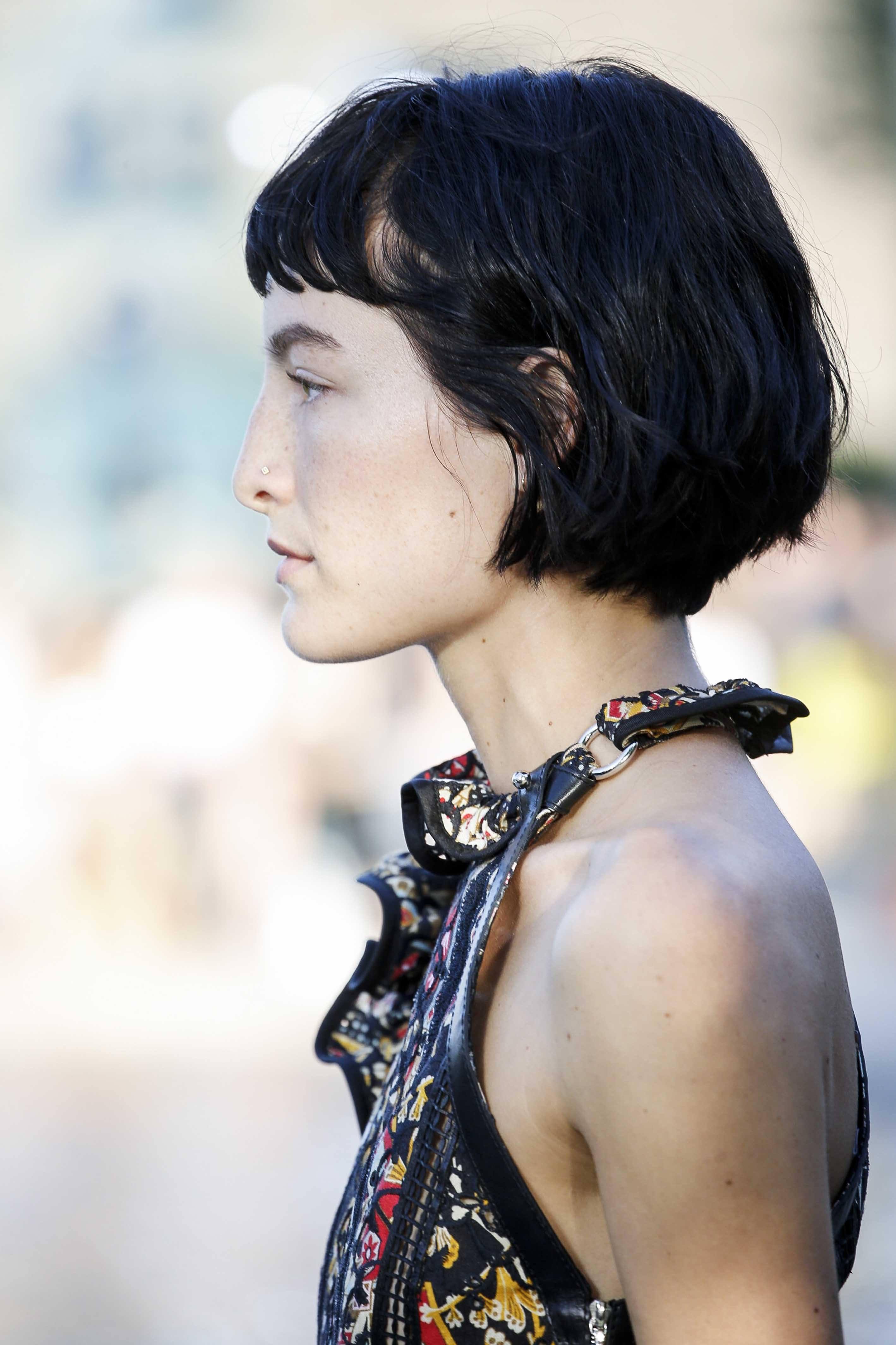 modelo de cabelo chanel com franja curta